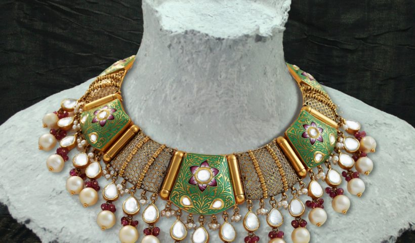 Kundan Pendant in Chandigarh