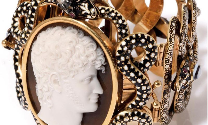 Vintage Jewelry Trends for Classic Beauty