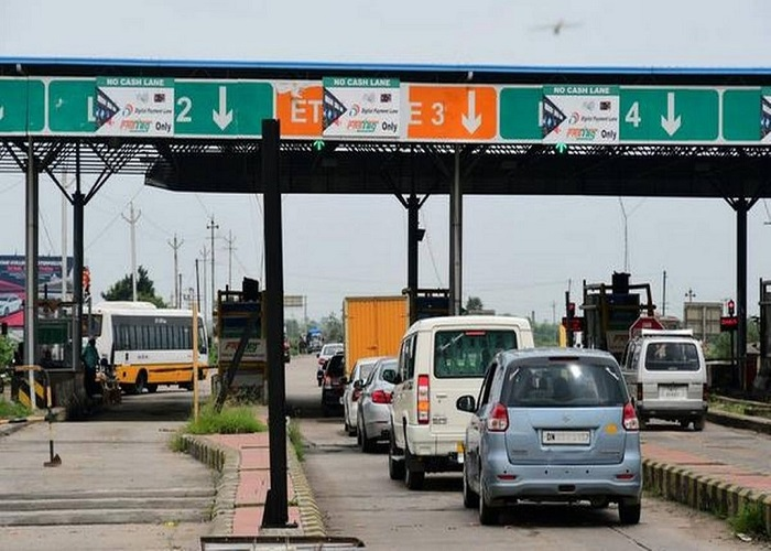 Toll gates on highways to go. Modi govt to launch GPS-based collection soon